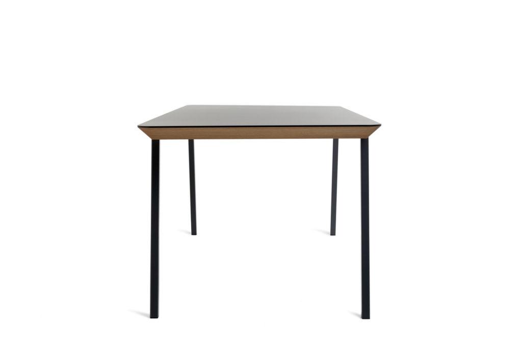 Tisch Frontansicht